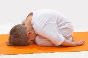 posturas de yoga para niños de animales