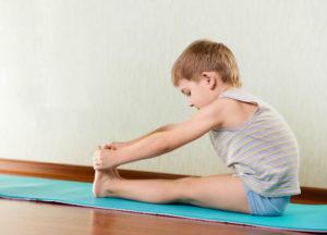 postura de yogas para niños principiantes