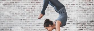 Posturas de yoga para uno
